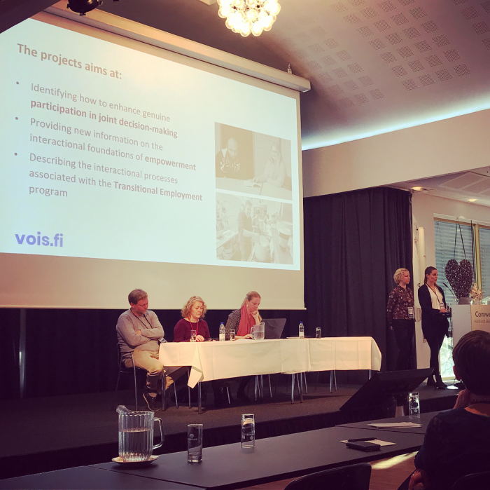 Melisa Stevanovic ja Elina Weiste esittelevät Vois-tutkimushanketta Klubitalojen Eurooppa konferenssissa Aalborgissa Tanskassa marraskuussa 2018