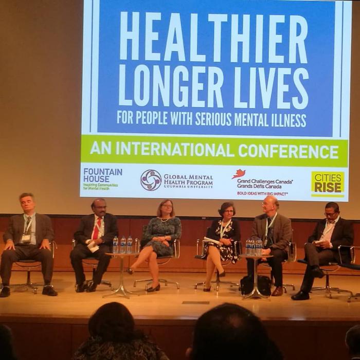 Healthier Longer Lives-konferenssin panelisteja.